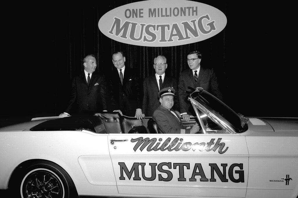 Stanley_Tucker_Mustangs_hero